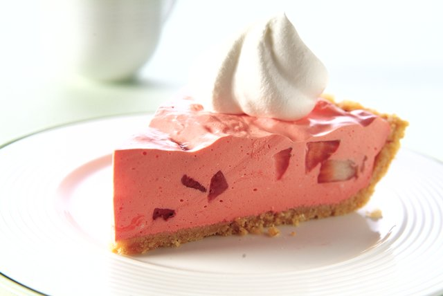 Strawberry Shortbread Pie Image 1