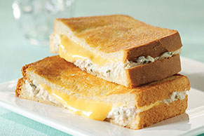 Creamy 2-Cheese Tuna Melts