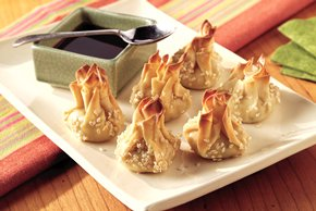 Crispy Won Tons with Asian Dipping Sauce