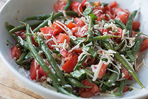 Green Bean and Mozzarella Cheese Salad