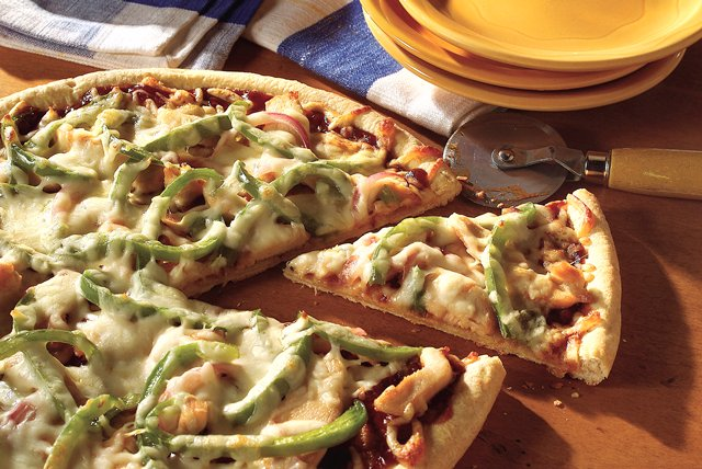 Barbecue-Chicken Pizza Image 1