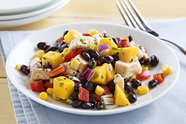 Black Bean & Mango Chicken Salad Image 1