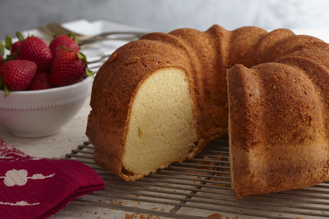 Homemade Vanilla Pound Cake