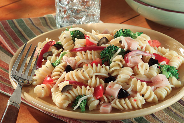 Simple Pasta Salad Image 1