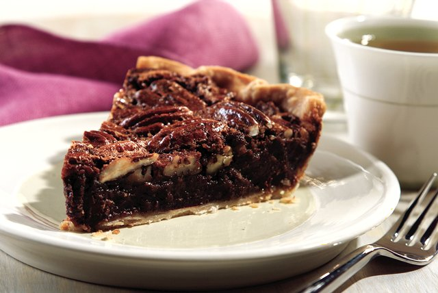 Chocolate Bliss Pecan Pie Image 1