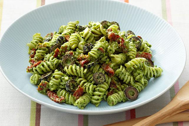 Creamy Pesto Pasta Salad Image 1