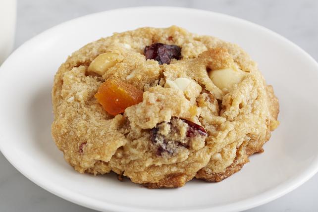 Biscuits aux morceaux de chocolat blanc, aux abricots et aux canneberges Image 1