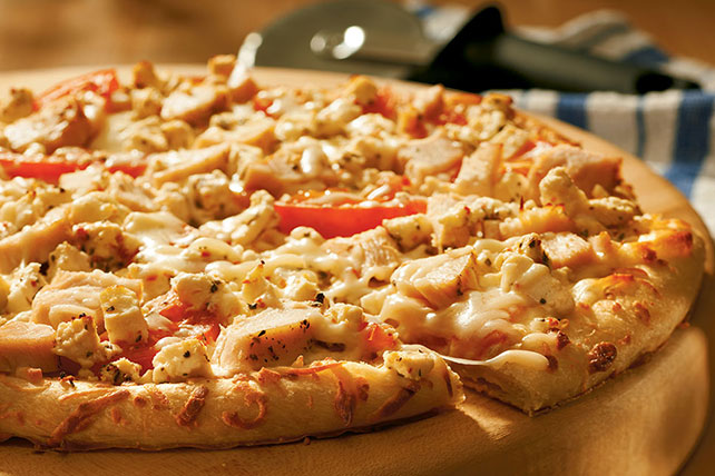 Chicken Feta Pizza 54150 on oscar mayer carving board