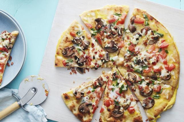 Pizza au bacon et aux œufs Image 1