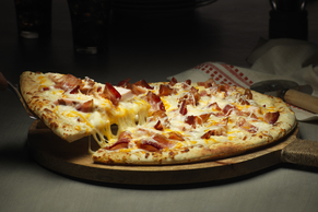 Bacon-Chicken Alfredo Pizza