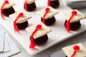 Chocolate Graduation Cap Cupcakes