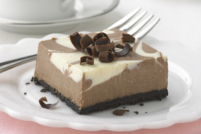 Chocolate-Vanilla Swirl Cheesecake