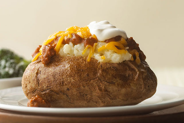 Chili-Topped Baked Potatoes Image 1