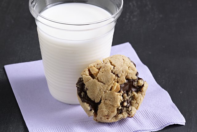 Peanut Butter-Chocolate Chunk Cookies Image 1
