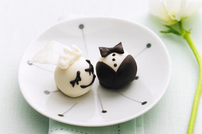 Bride & Groom Cookie Balls Image 1