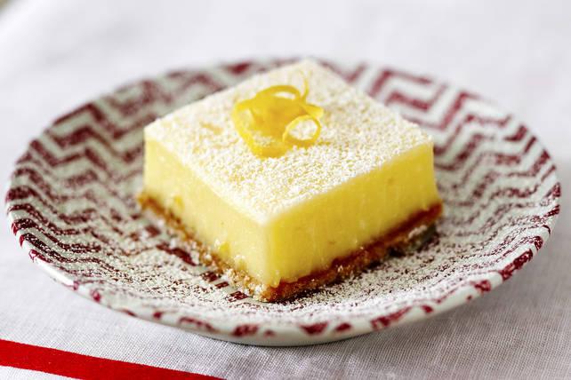 lemon bars with graham cracker crust