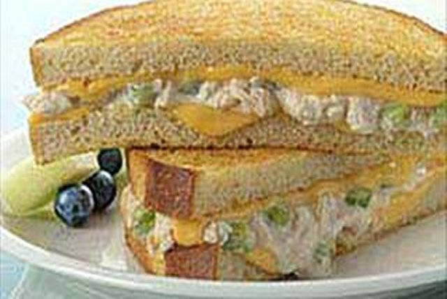 Cheesy Tuna Melt Image 1