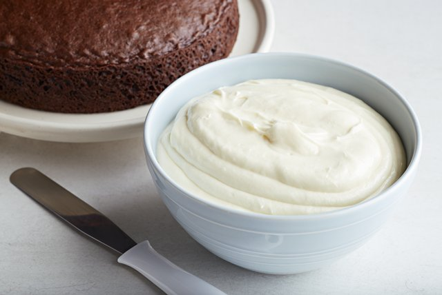 White Chocolate-Cream Cheese Frosting Recipe Image 1