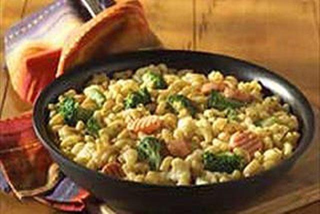 Sartén de macarrones con queso a la primavera Image 1