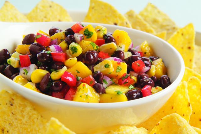 Salsa de mango y frijoles negros Image 1
