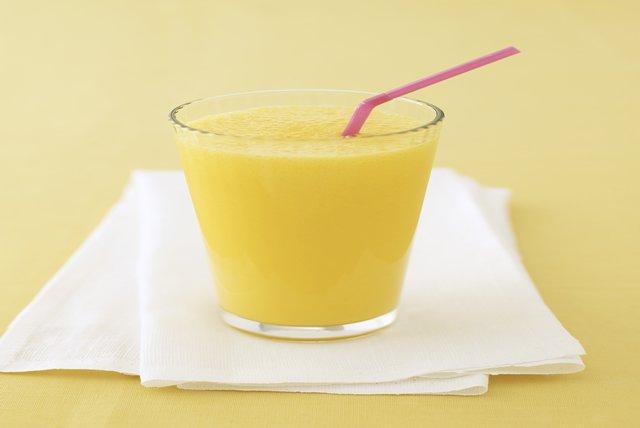 Licuado de plátano y naranja Image 1