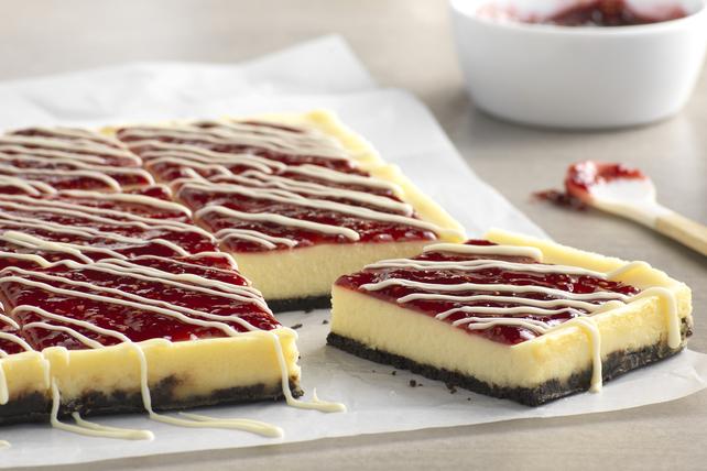 Barres de gâteau au fromage au chocolat blanc et à la framboise Image 1