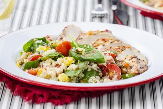 Poulet et salade de maïs grillé, de tomates et de quinoa Image 1