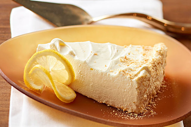 Low-Fat Lemon Soufflé Cheesecake Image 1