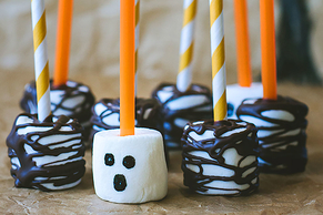 Easy Spooky Woods Marshmallow Pops