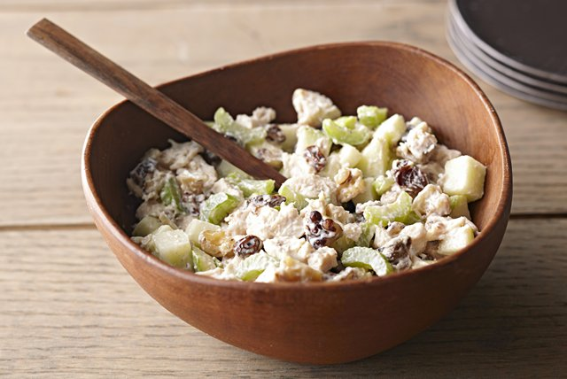 MIRACLE WHIP Awesome Waldorf Salad Image 1