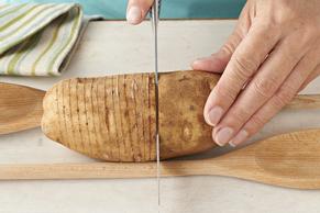 Pommes de terre Hasselback au fromage et bacon Image 2
