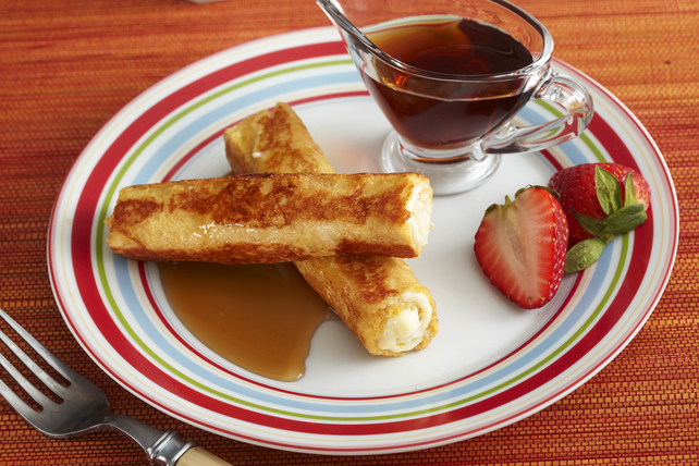 Cheesecake-Stuffed French Toast Roll-Ups Image 1