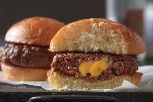 3-Step Spicy Bacon and Spinach Sliders Image 1