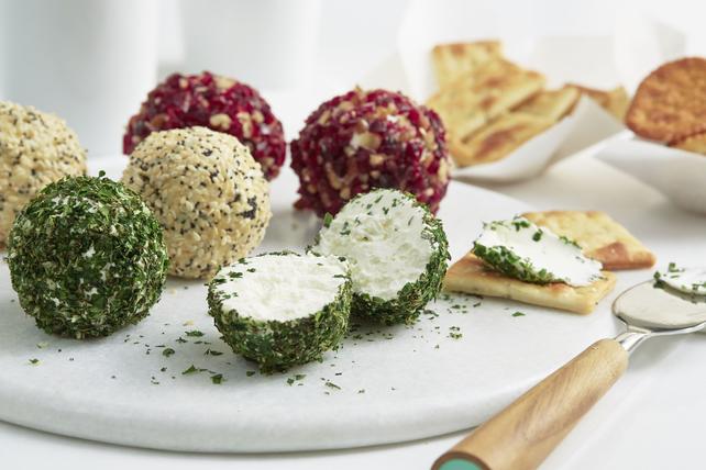 Savory Mini Cheese Balls Image 1