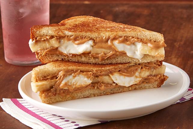 Sandwich au beurre d'arachide, aux bananes et aux guimauves Image 1