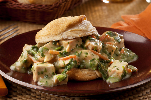 Chicken Florentine with Biscuits Image 1