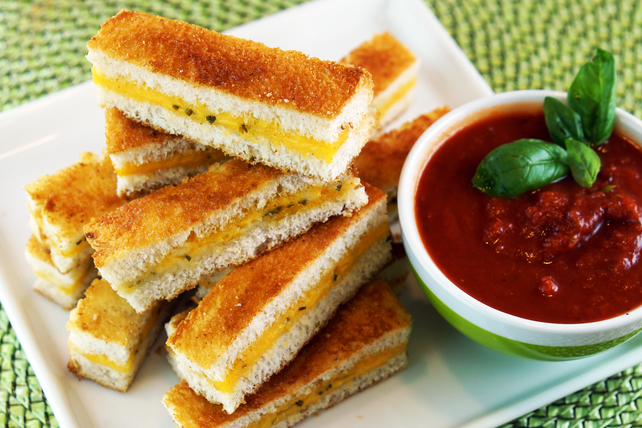 Oven-Baked Italian Grilled Cheese Fingers Image 1