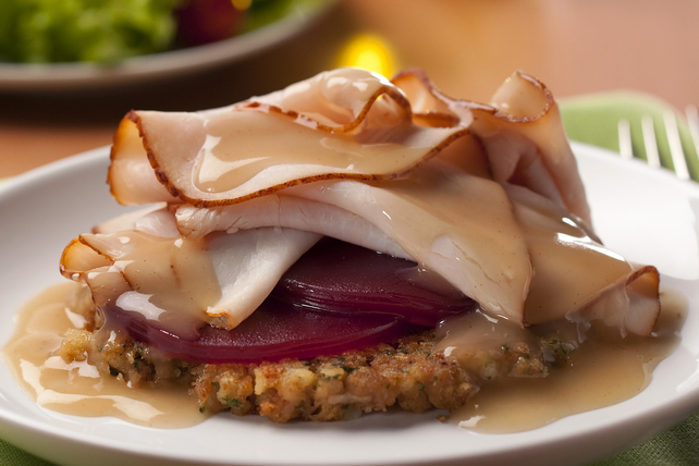 Turkey-and-Cranberry Open-Face Sandwiches Image 1