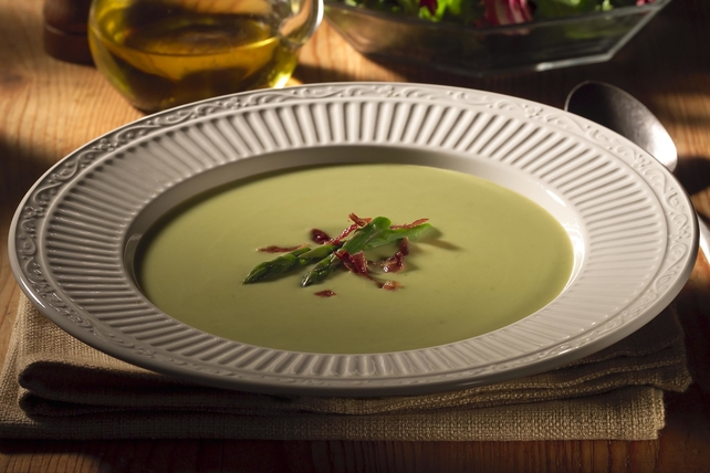 Creamy Asparagus Soup with Prosciutto Image 1