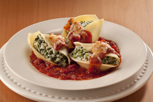 Spinach-and-Cheese Stuffed Shells Image 1