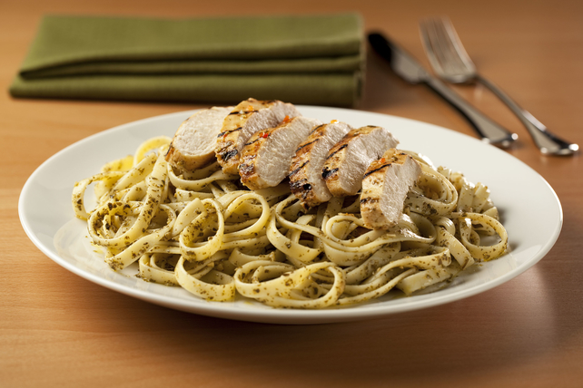 Pesto-Pasta with Chicken Image 1