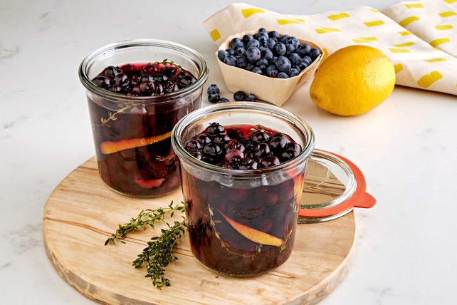Quick Pickled Blueberries Image 1