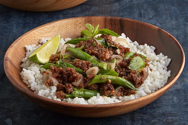 Porc et haricots verts épicés au basilic thaï Image 1