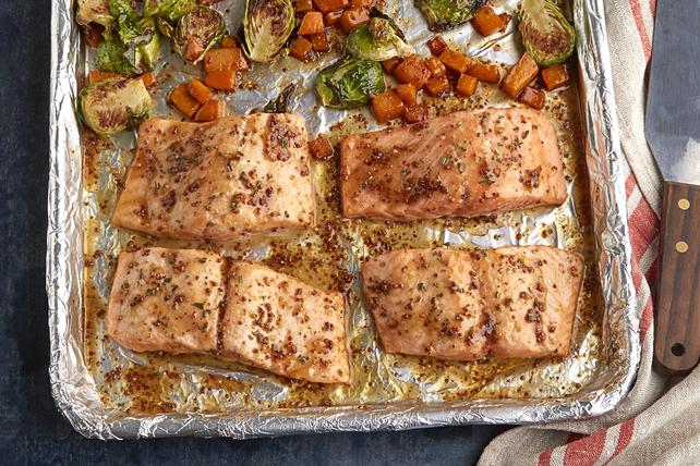 Plat tout-en-un de saumon et de courge rôtis Image 1