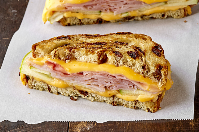 Grilled Cheese with Ham and Apples Image 1