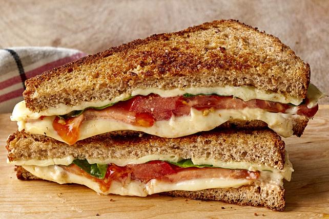 Sandwich au fromage fondant aux épinards et au piment jalapeno Image 1