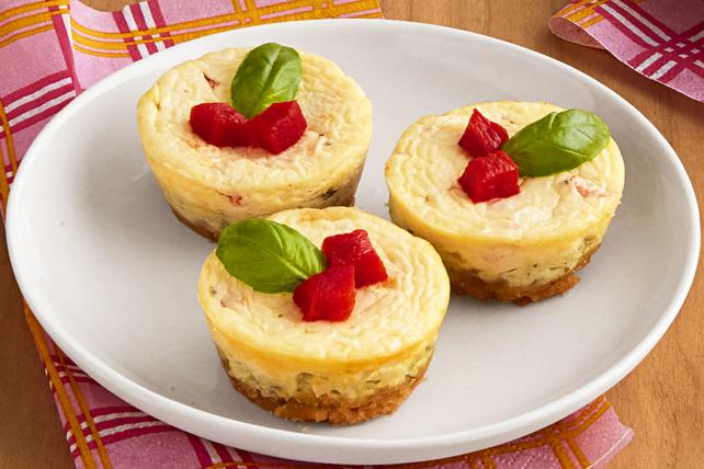 Mini-gâteaux au fromage aux poivrons rouges et au pesto Image 1