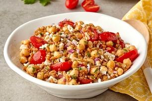 Salades de riz et grains entiers