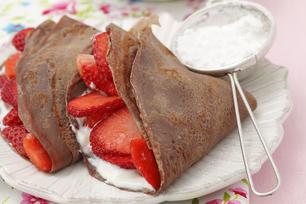Strawberry-Stuffed Chocolate Crêpes