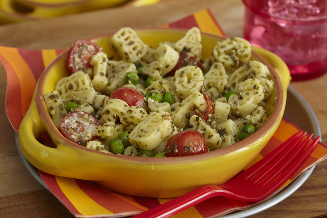 Pasta Shapes with Pesto and Peas Image 1